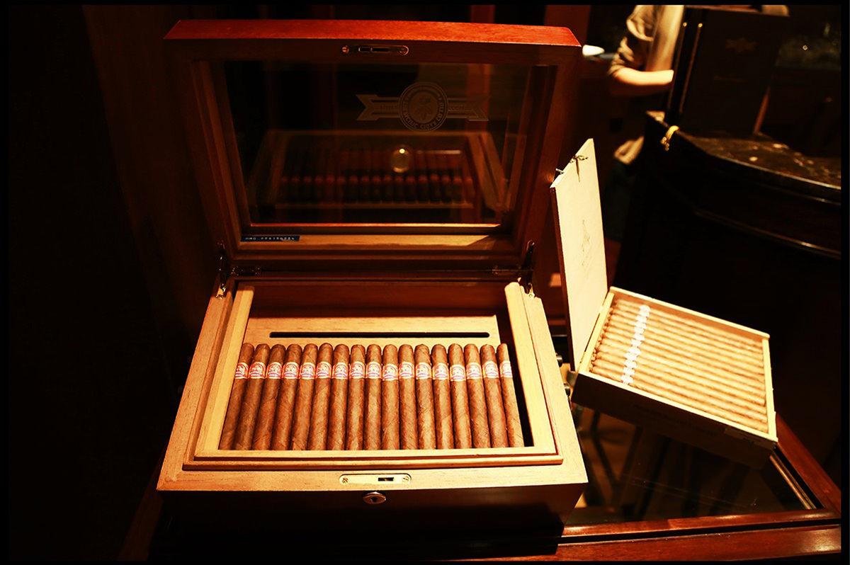 acheter des cigares en ligne boutique en ligne de tabac cigarettes. Black Bedroom Furniture Sets. Home Design Ideas